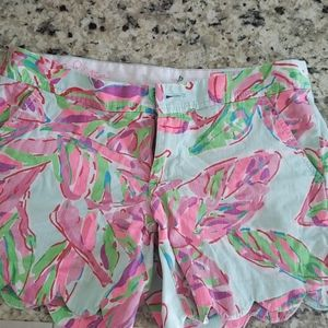 Lilly Pulitzer Scalloped Shorts Size 2